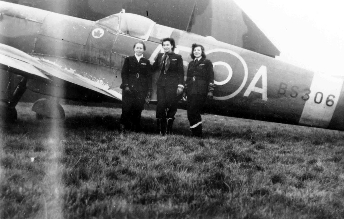 #OOTD Jackie Moggridge flew as a pilot during WW2 with the Air Transport Auxiliary and later with the RAF Voluntary Reserves. Her favourite aircraft was the Spitfire. Jackie's story is told to us by her daughter, Candida Adkins in this blog post: https://t.co/0iaXD1oWqD https://t.co/7uV1tJ0uqs