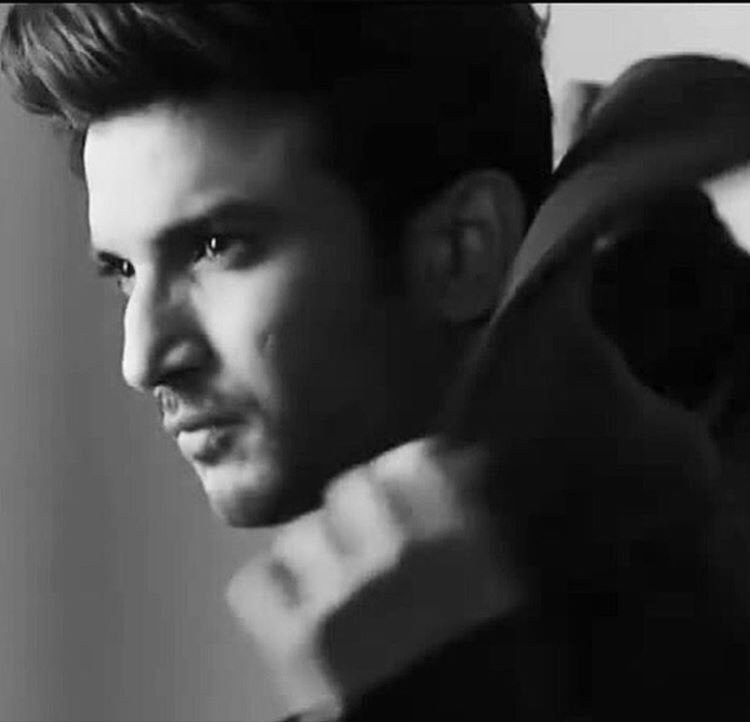 Its hard to believe , Sad & Shocked after hearing this 😔 Such a Smile face is no more .. May his soul Rest In Peace 🙏.. My heartfelt condolences to his families . #RestInPeace #SushantSinghRajput