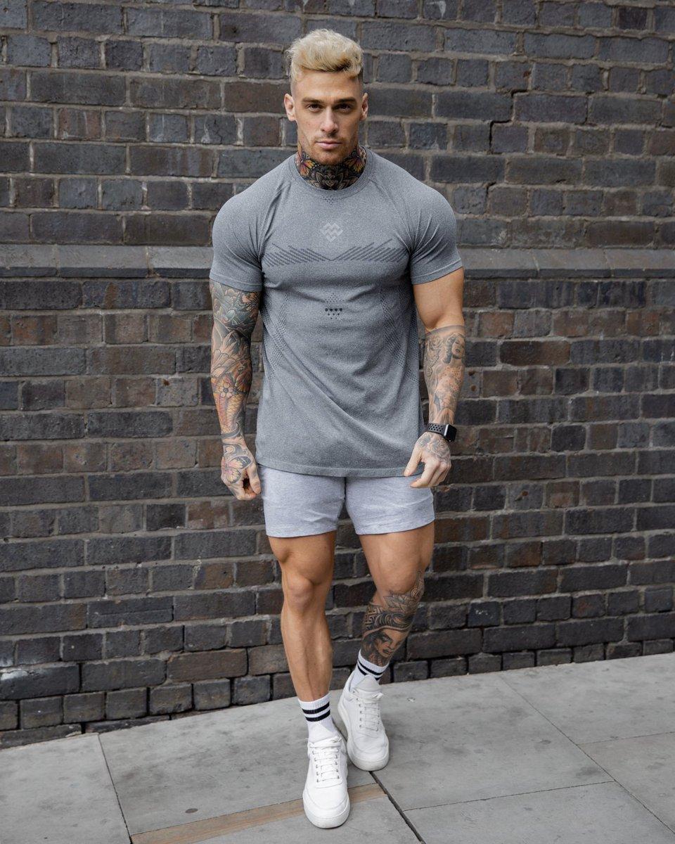 Summer fits 🔥. Shop the look featuring our Exo-Knit Seamless T-Shirt & Intensity Raw Cut Shorts. Shop worldwide via https://t.co/UmNYEMEyOQ #MachineFitness https://t.co/kl022Ylbdd