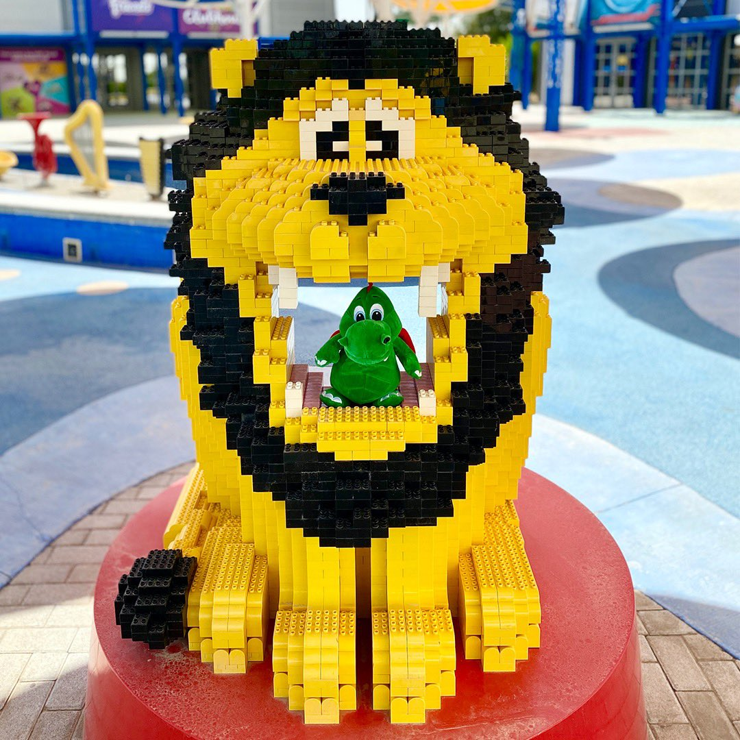 Hello boys & girls! Ollie the dragon here!  I LOVE exploring #LEGOLANDDubai, there's soooooo much to see and do here and I can't wait to see you all again soon!  I'm hanging out with my friend DUPLO Lion today in IMAGINATION, he's a pretty cool guy! - Ollie 🐉 #OllieExplores https://t.co/oik0OtYkQm