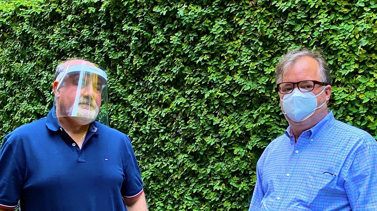 My friend Nassim thinks if everyone wears a mask, there is a chance we could solve the pandemic. Please everyone cover your face in public, what is the downside? @nntaleb https://t.co/xRGNnPvcqX