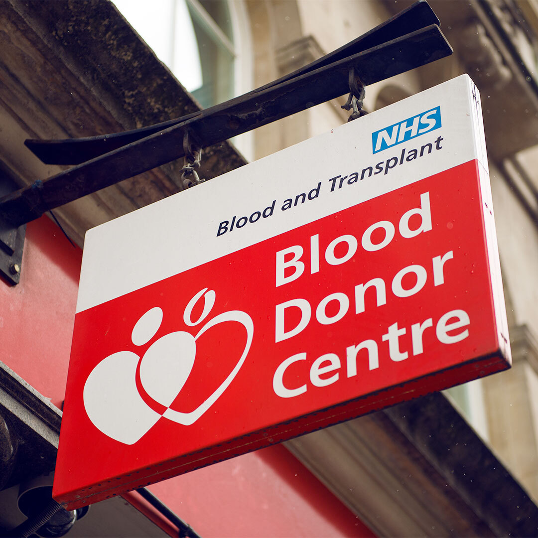 Giving Blood is considered essential travel.   If you are eligible to give blood, we encourage you to make an appointment with your local blood donation centre to help keep blood stocks steady during the coronavirus pandemic.  NHS Info: https://t.co/BbNRBR5BdP  #GiveBlood #wbdd https://t.co/akTEaY1gAe