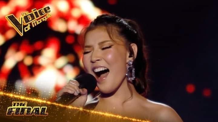 """#VOICEMONGOLIA #FINAL #МинийСонголт   #ОЮУ 3 дугаарыг 159191 дугаарт явуулаарай 💃💃💃   Д.Отгонбаяр шүүгч, дасгалжуулагчийн багийн шилдэг """"Monster"""", алмаз мэт ховорхон, гоёмсог, хүчирхэг хоолойт Б.Оюу The Voice of Mongolia шоуны """"Final""""-ын шатнаа, дэмжээрэй охид, бүсгүйчүүдээ 😘 https://t.co/SkWdVVDbAh"""