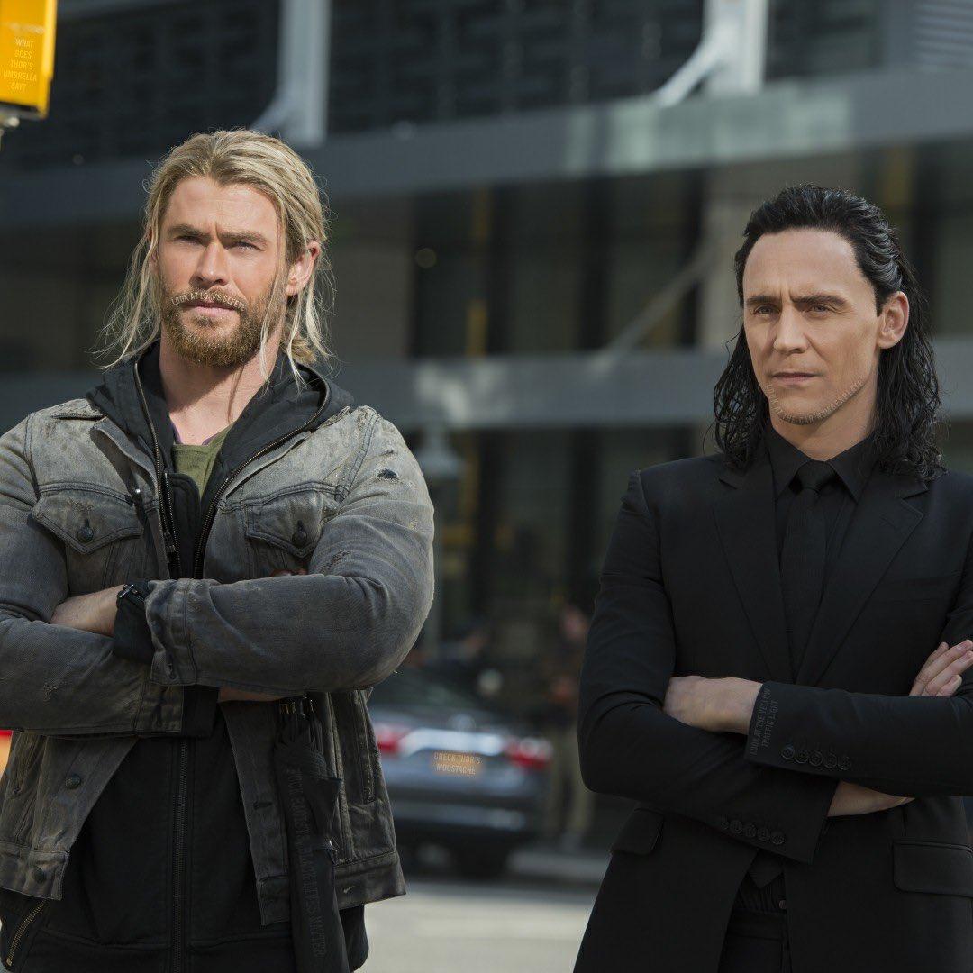 Zoom in on Loki's face