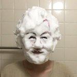 誰の顔か当ててみて!「洗顔ものまね」のクオリティが高すぎる!