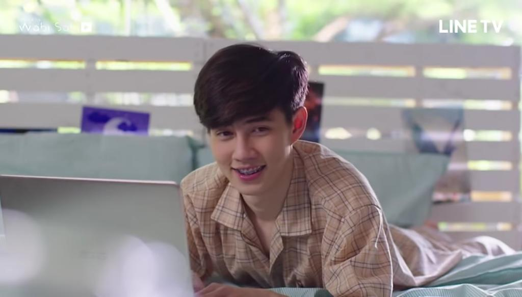 Is it normal? That i feel like someone tickled me when he starts to talk and specially the way he smiles? 55555+  #benzalert #praram #ENOfLoveThisIsLoveStory #ENOFLOVEep10 https://t.co/5wdrvWw7wK