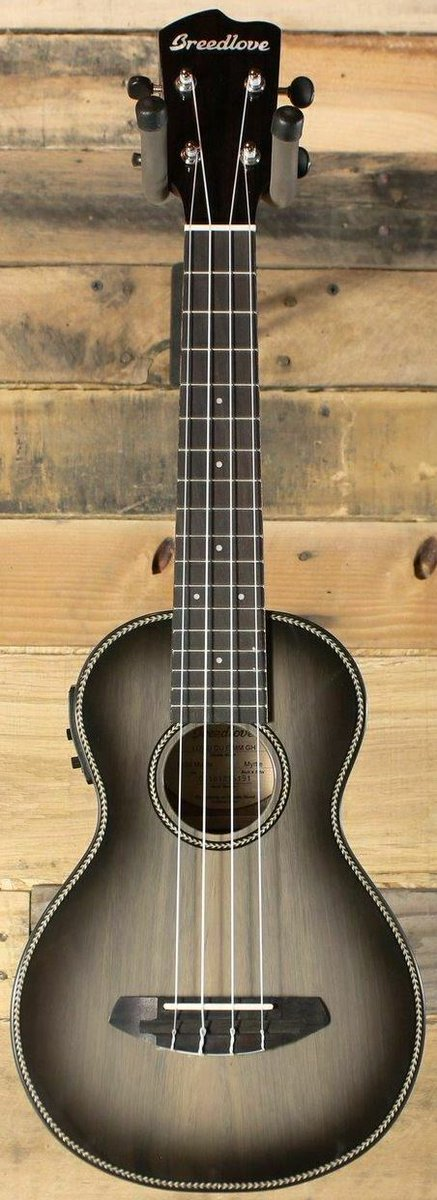 Breedlove chinese made ukulele