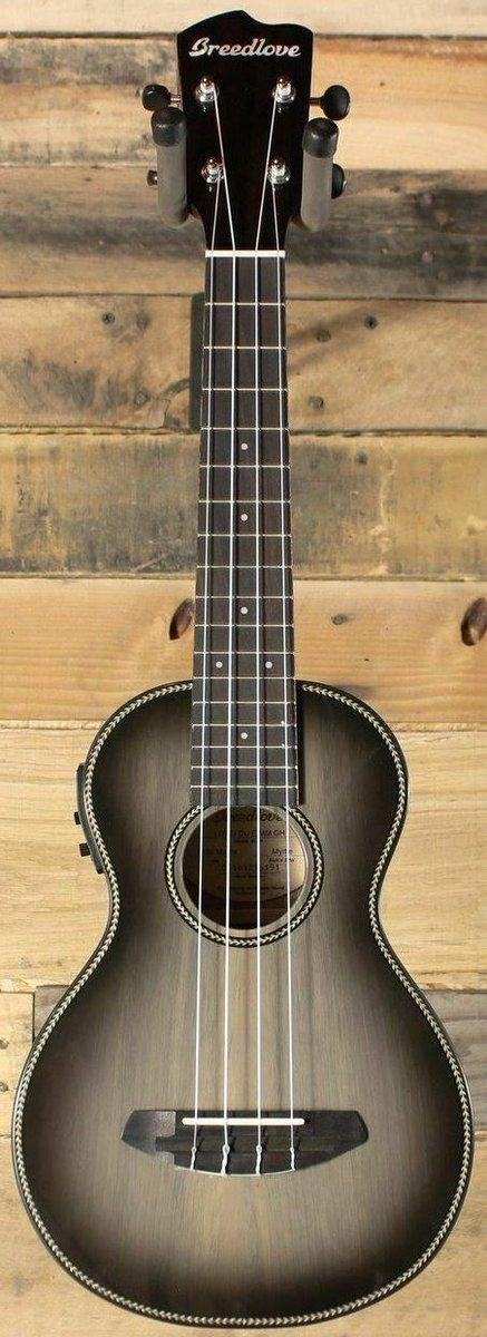 Breedlove chinese made ukulele