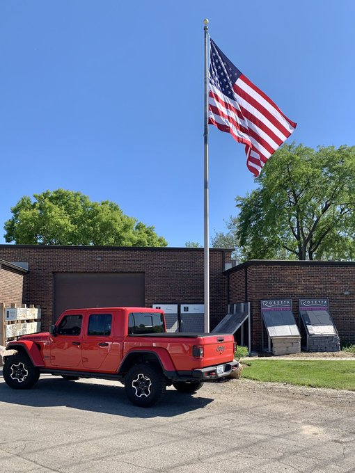 Happy #FlagDay #StoneGuy needed a new #Polyester #USFlag 10x15' on the 40' #CamCleat #Internal #Halyard https://t.co/NUdtTNDxaK