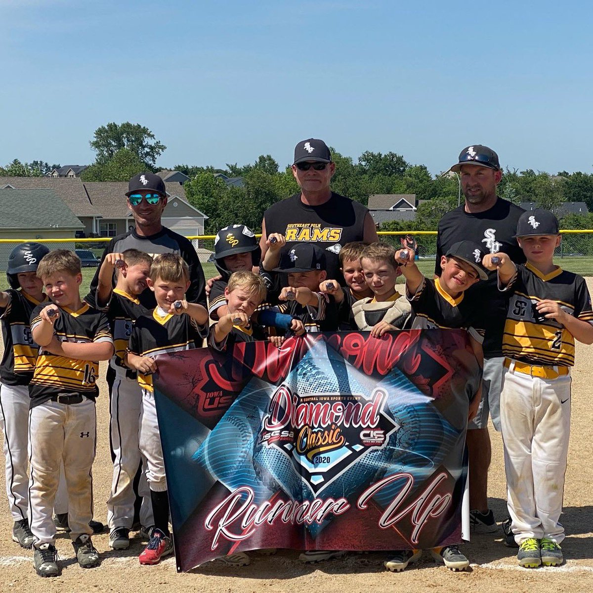 Rams Club 8U Black loses a close one 2-1 to become runner up out of 17 teams in the Diamond Global State! Congratulations!! https://t.co/RQYbDeFNrm