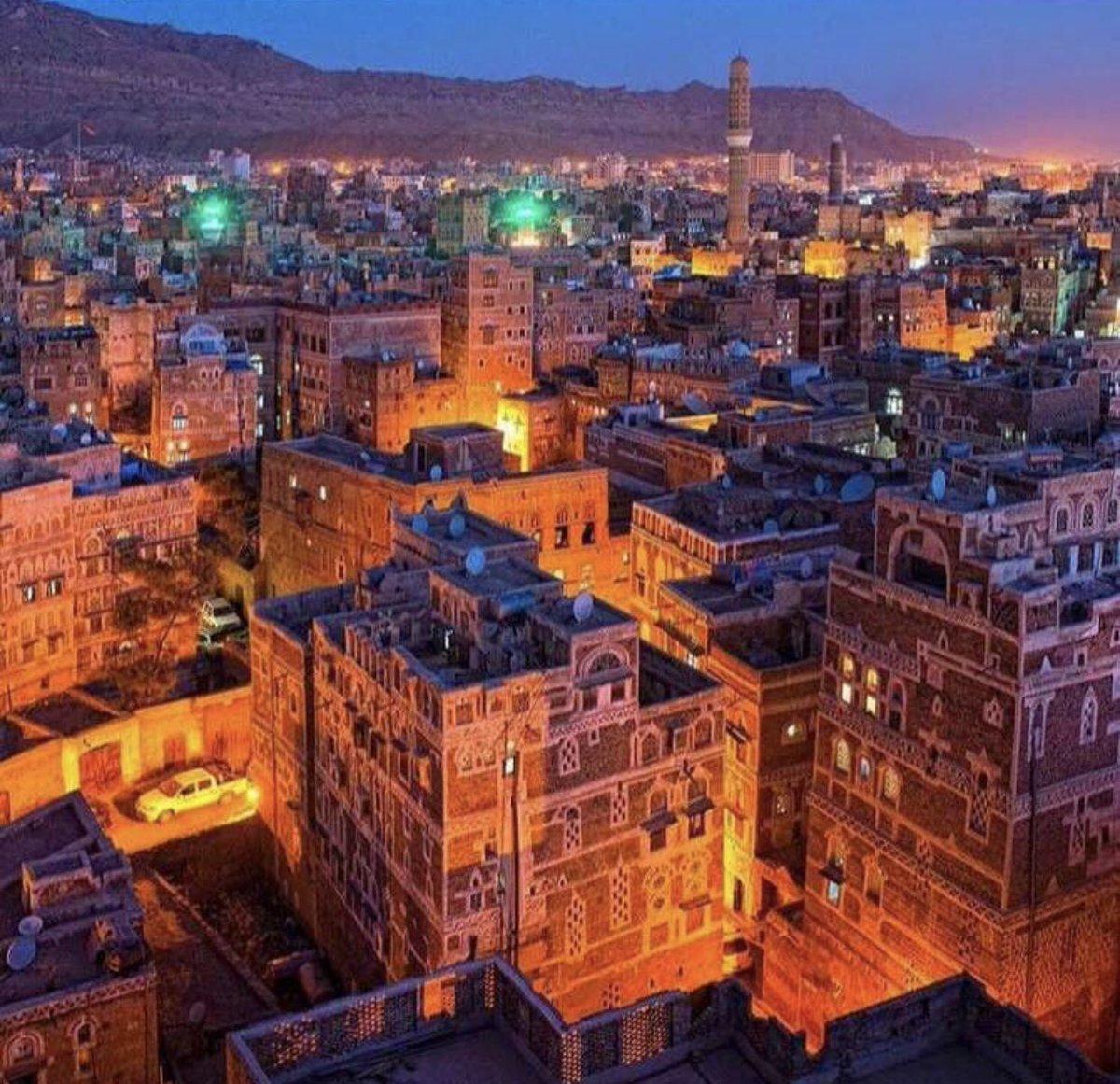 Yemen before                  Yemen now https://t.co/wnb4MbozTq