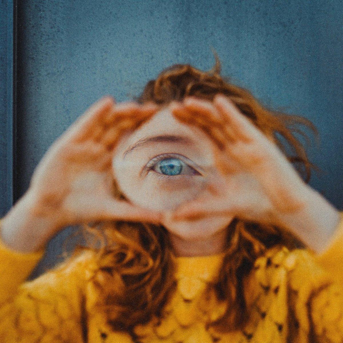 She's got an eye on you 👁️  Great new portrait work by @aufzehengehen.de recently uploaded to EyeEm. https://t.co/7W0syOXKyo https://t.co/a4vCWBQoxn