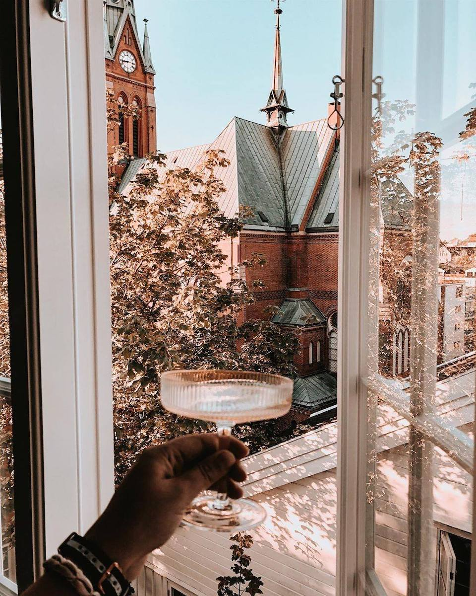 We're sharing your window views on our Instagram, tag us in your post so we can see it for ourselves!   Stay connected, stay inspired.  🏡   📸 @andreahelene1 https://t.co/JY3HDZmlhT