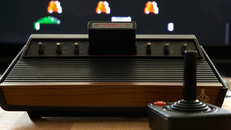 L'Originelle, la vraie, l'unique : l'ATARI VCS 2600 Eal7deYWAAE-lNk