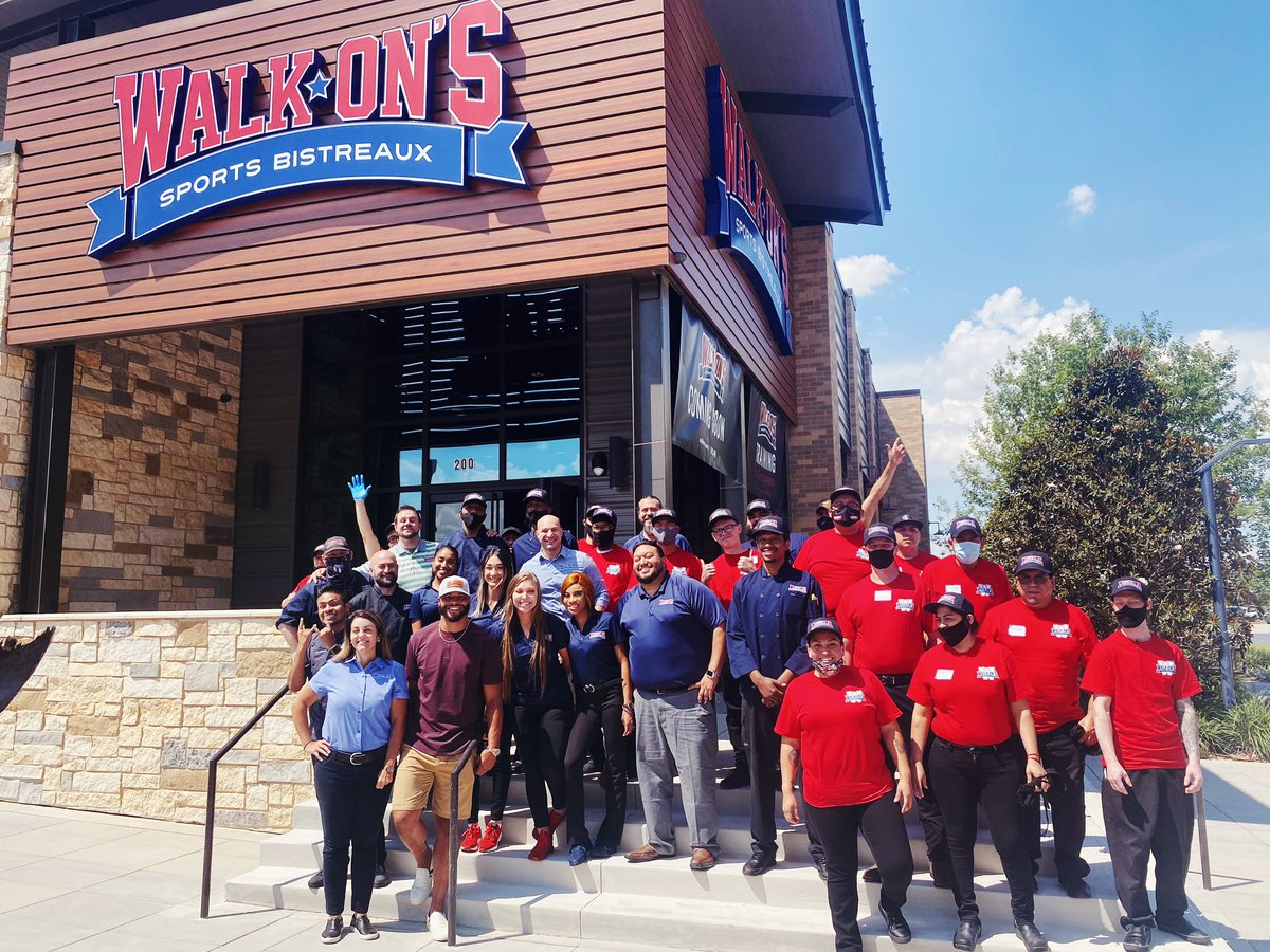 Beyond excited to announce my partnership with the @walk_ons DFW Family! Can not wait to see everyone at our current locations: Las Colinas, South Arlington and our newest location on 6/22 at the Colony. #Dallas #walkons #ALL-IN  https://t.co/N4IwNd8Ne5 https://t.co/NDcwqAZQtj