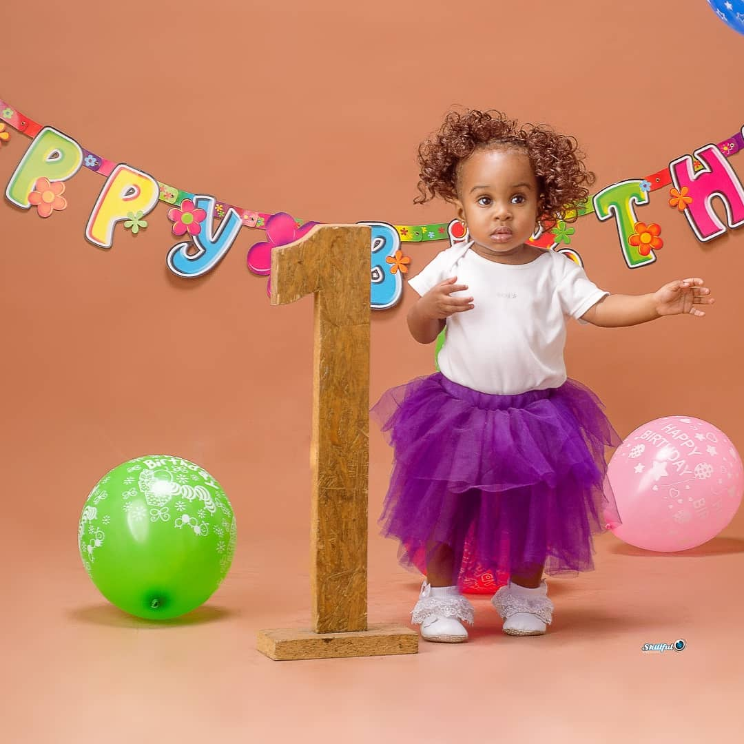 Kaylah @shot_by_mide for @skillfulxpstudios  #baby #babygirl #birthday #birthdayshoot #babybirthday #babybirthdayshoot #shooting #shoot #tuesday #16 #explorepage #explore #exploremore #surulerephotographer #surulere #babyphoto #babyphotography #herbes #babyphotographer #balloonpic.twitter.com/XQP6Pm6Vmk – at surulere