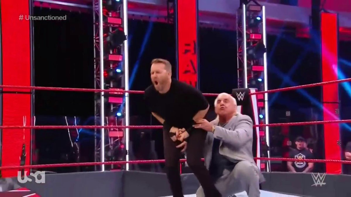 """Christian Returns Against Randy Orton In """"Unsanctioned Match"""" During Tonight's RAW (Photos, Videos)"""