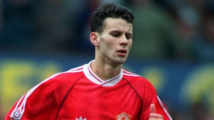 Ryan Giggs was given £1 for every Man Utd goal by the steward https://t.co/MCe0oRPSjh . #MUFC #RyanGiggs #Giggsy #ManUtd #GGMU #ManchesterUnited https://t.co/FTD6hVtz8G