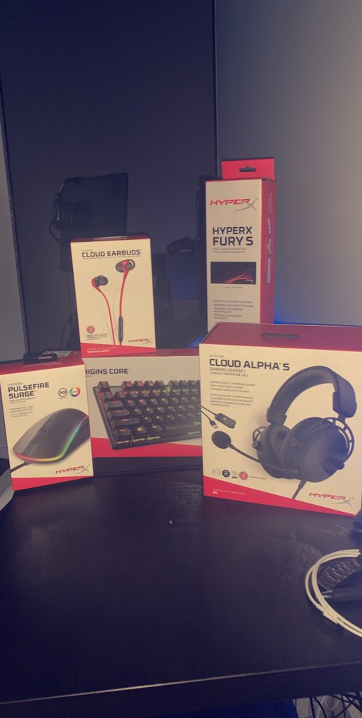 thank you @HyperXAnz for the  carepackage, keen to try out the new gear! #WeAreChiefs https://t.co/oFQRvPEYtl