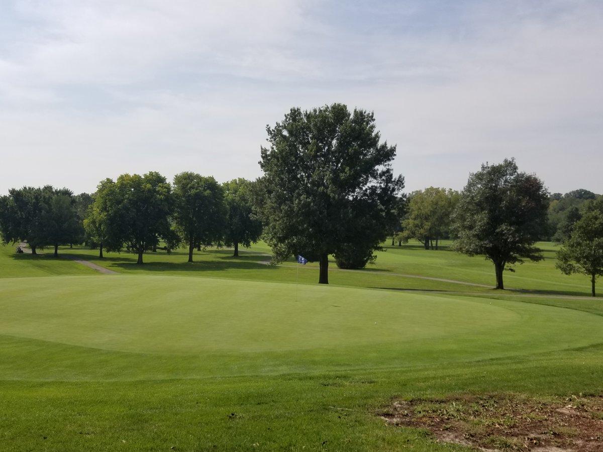 Today's Veenker Junior Amateur is held at Veenker Memorial Golf Course - Iowa State University  https://t.co/taDwLa4DZa   @iowapga https://t.co/qR1g5u6zez