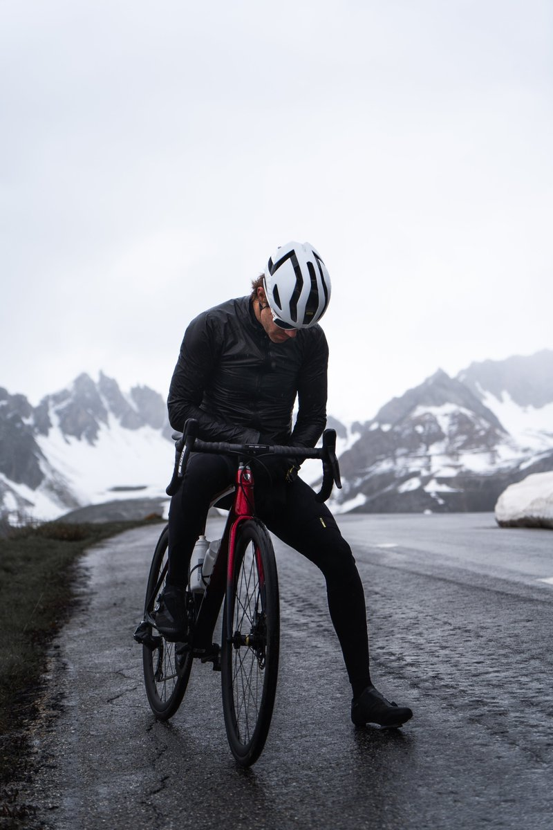 When a love for cycling meets expert clothing design. We've partnered with both Gore-Tex and Arc'teryx to develop our revolutionary Cosmic Ultimate GTX jacket. Lightweight and waterproof, yet breathable and stylish, it's one engineered to help you conquer the terrain. @GORETEXeu
