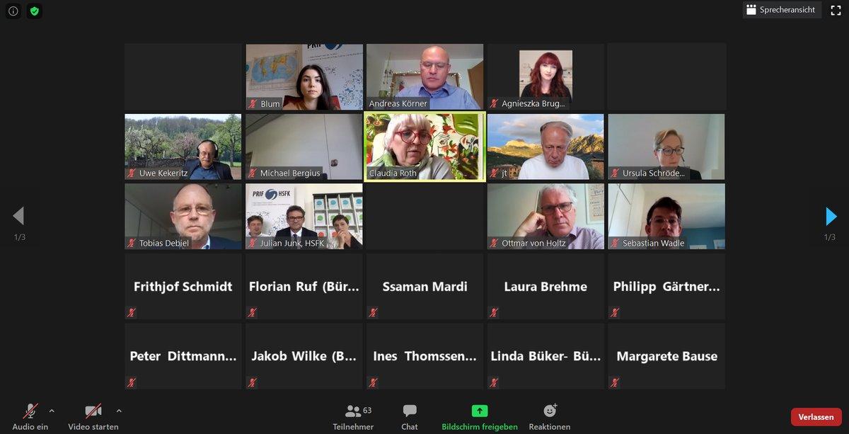 Wir haben uns gefreut erneut das #Friedensgutachten2020 bei @GrueneBundestag vorstellen zu können - virtuell und gut besucht zum diesjährigen Klimaschwerpunkt. Danke an @agnieszka_mdb @Jtrittin @OWvonHoltz @MargareteBause @nouripour, Claudia Roth u.v.m. für die gute Diskussion! https://t.co/rbxyPSIMm2
