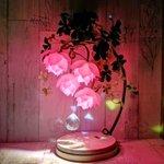 これは素敵すぎる!まるで、生きているお花のような照明!購入もできるようですよ!