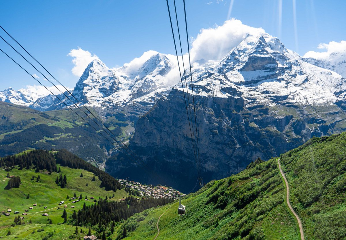 EapWCH X0AAKFwi?format=jpg&name=medium - A new cableway for Piz Gloria