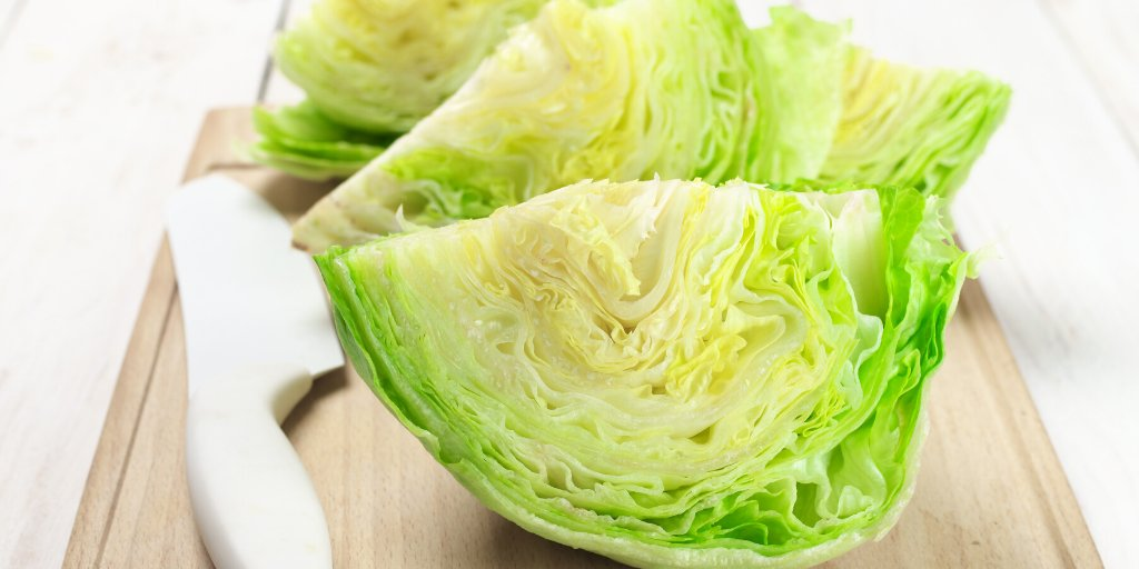 The nutrients in iceberg lettuce can help you to meet the standard daily requirements for several vitamins and minerals. It also provides calcium, potassium, vitamin C, and folate. #Didyouknow https://t.co/RmbQVDGb8Q