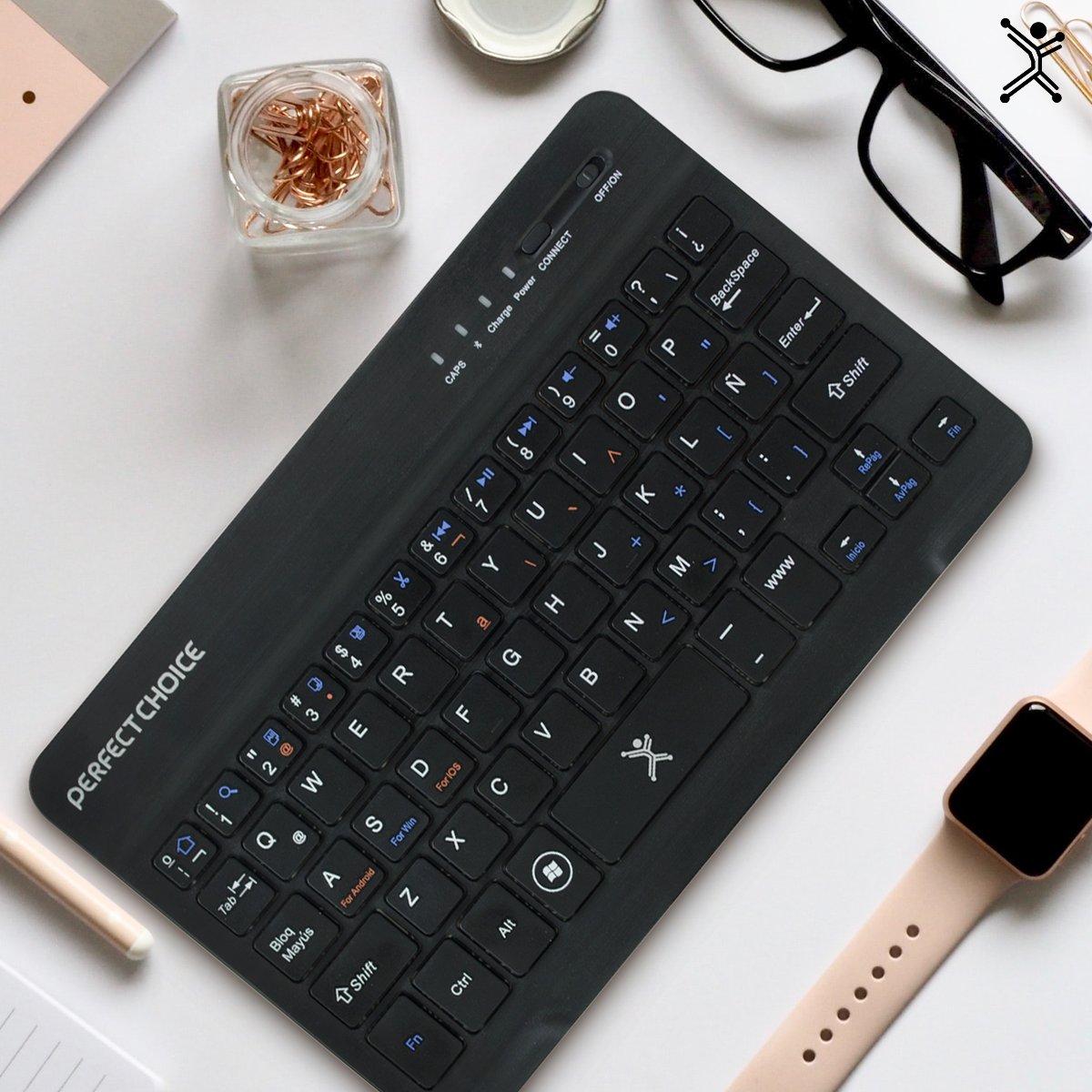 Mini teclado inalámbrico,  versión universal para iOS, Android y Windows.   Adquiérelo en nuestra tienda online: https://t.co/nKWZFSl7bs  #minikeybaord #bluetooth #android #ios #windows #keyboard https://t.co/P6luOiCz47