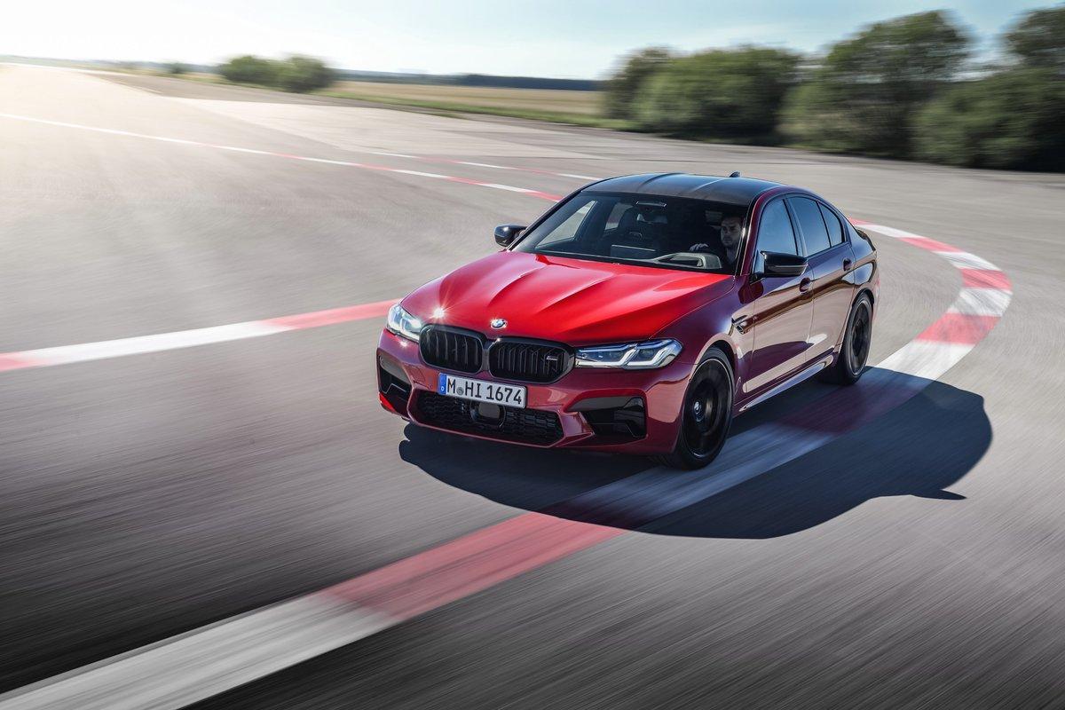 Pour combiner sportivité, quotidien et vie de famille, une seule BMW suffit, animée par un V8 biturbo de 625 ch. THE M5 : la Nouvelle BMW M5 Competition. https://t.co/1MuaC0w0gH
