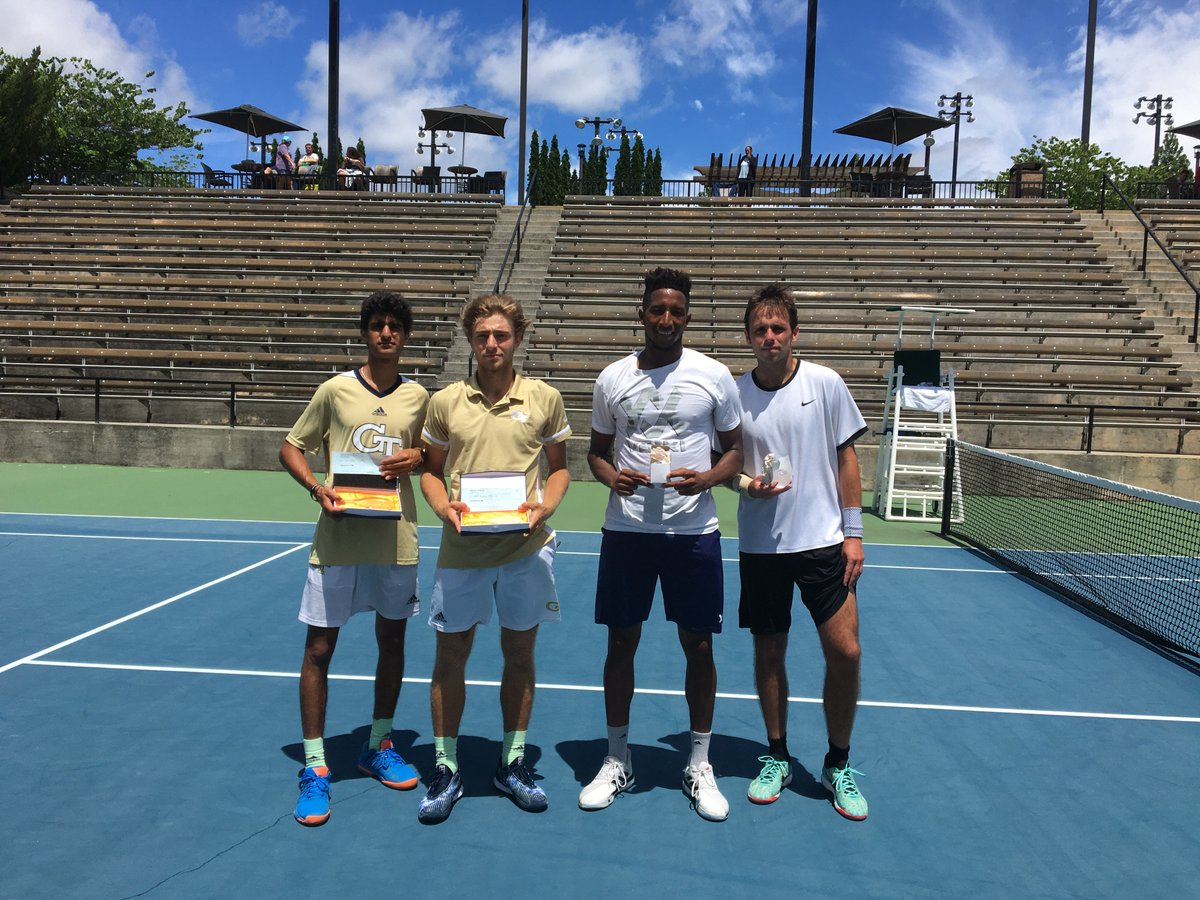 Andres Martin takes the singles title at the Atlanta City Open over fellow Yellow Jacket Keshav Chopra, 4-6, 7-6, 12-10! The Tech duo also captured the doubles title at the tournament, 2-6, 6-1, 10-8! 🔗buzz.gt/MTN_ATLopen #AtlantaCityOpen #TogetherWeSwarm