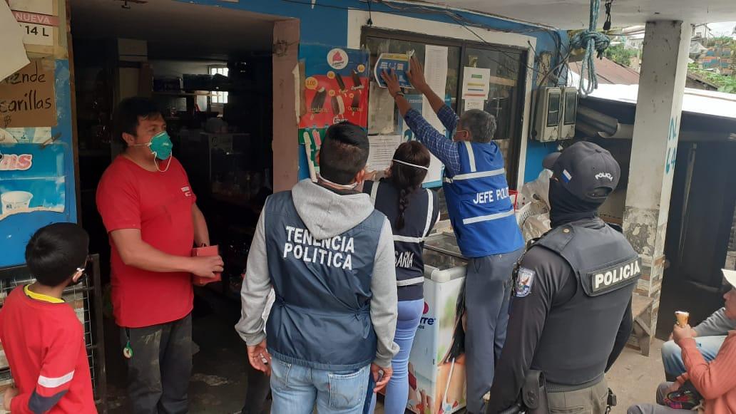 #GobernaciónCotopaxi #JefaturaPangua Socializamos y colocamos sellos #LocalSeguro en los establecimientos de categoría 6 en la parroquia #Pinllopa medida de prevención contra el covid-19 #QuedateEnCasa #Por un #CotopaxiMásJusto @Gober_Cotopaxi @Presidencia_Ec @MinGobiernoEc https://t.co/JzOH9m8NTN