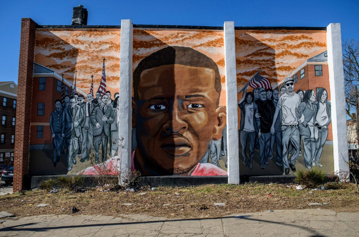 Murals have often served as artistic expressions of social commentary. #hiphoped #FreddieGray