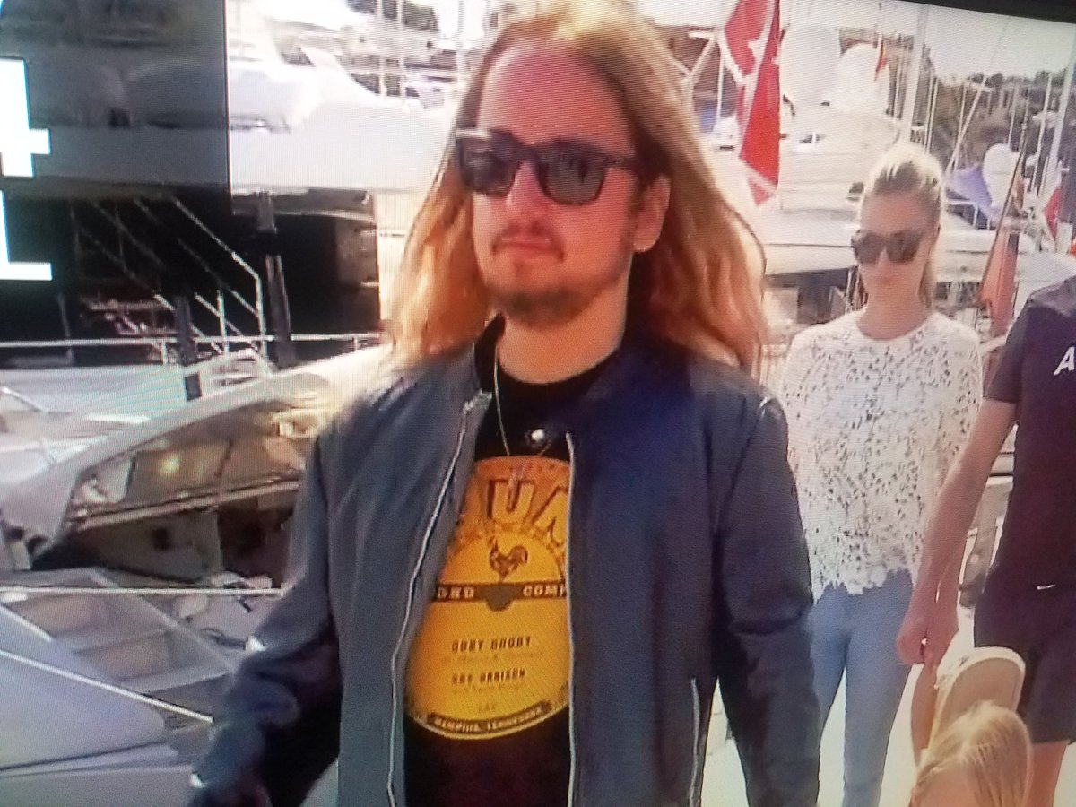 Hey @PFTCommenter This was Primary Guest on #BelowDeckMed tonight. Miss you guys. Tell Cat 'hi.'