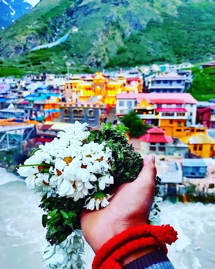 शुभ प्रभात  ।। जय बदरी विशाल ।।   #badrinathdham🙏 #BadrinathDham #bamnigaon #BadrinathDham #badrivishal #badrinath_temple #badrinath_kedarnath_gangotari_yamnotari #BadrinathYatra #kedarnath #kedarnath_temple #kedarnathtemple #kedarnathdham https://t.co/80qNrCyJuc