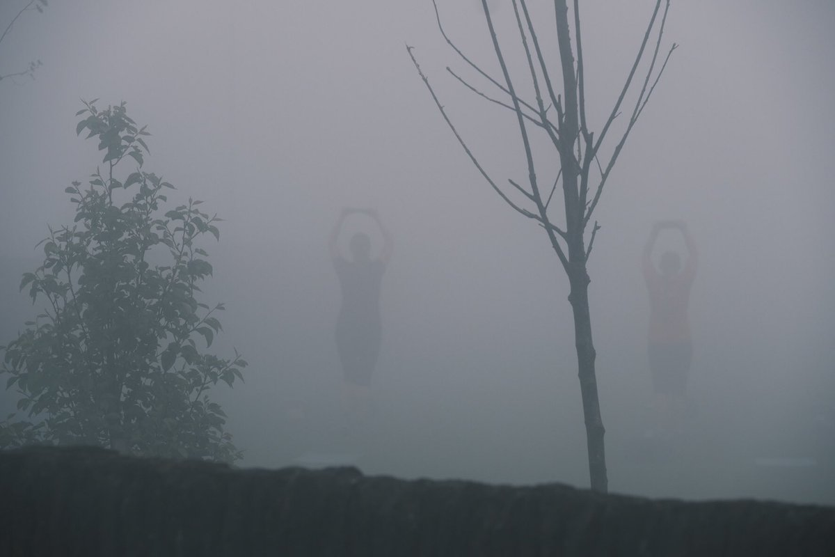 Exercise in the morning mist. #weather #mist #shilhoutte #fujifilm #fujifilm_xseries @StormHour @JonMitchellITV @itvweather https://t.co/2W4xfOIWQb