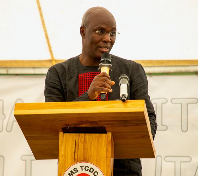 Ken Walibora alivyowaathiri wanafunzi wa kigeni>>>>>>>https://t.co/hHvrDZ9T0R https://t.co/mZRAzgPeoF
