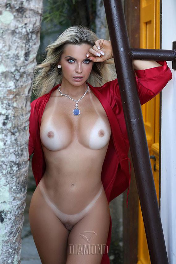 Silvia Burton Nude