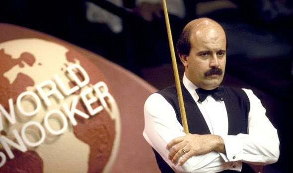Sad news. RIP Willie Thorne. A star from the Golden era of Snooker.