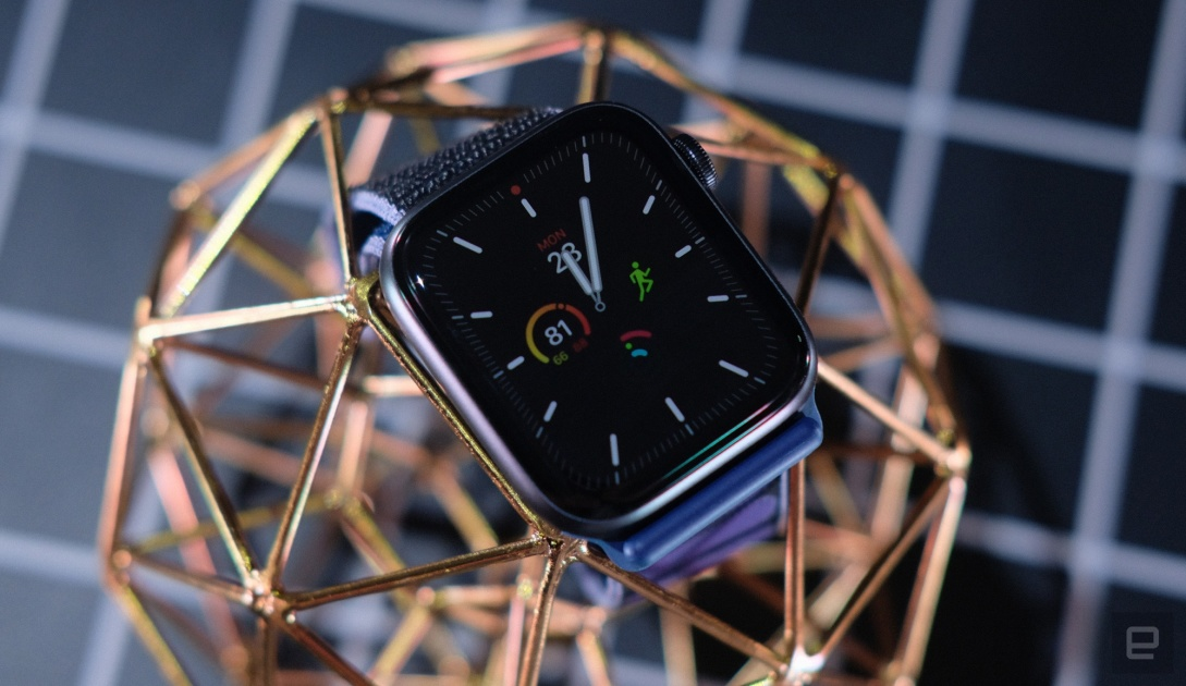 Save $100 on the Apple Watch Series 5 at Amazon