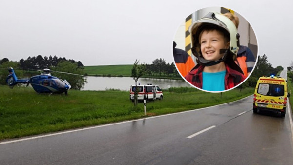 Po nehodě šel zraněný bosý hoch pro pomoc! Má obdiv hasičů @hzsjmk i záchranářů tn.nova.cz/clanek/po-neho…