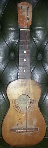 José Carreres soprano ukulele or Guitarico