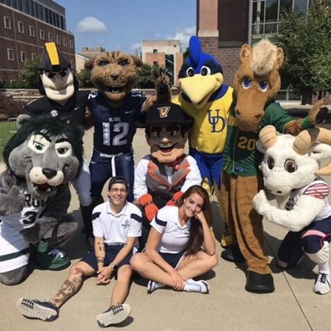 We might not talk but we can sure get wild! Happy #NationalMascotDay to my furends! https://t.co/4AVTZYidx7