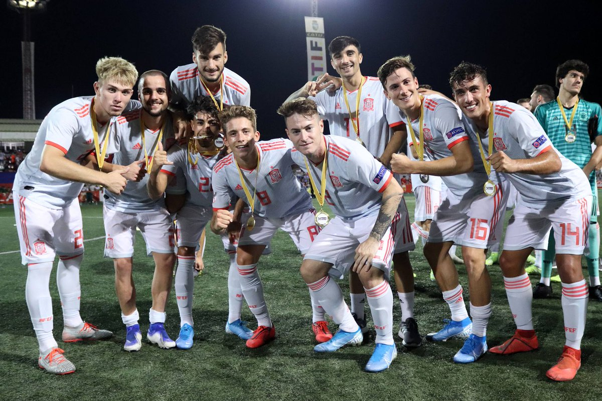 #U19EURO | La 🇪🇸 @SeFutbol Sub-19 se jugará en septiembre el billete para el 'nuevo' Europeo.  Novedades en el formato que repartirá 5 billetes para la Copa Mundial Sub-20 de la @fifacom_es de 2021 https://t.co/uDRyds52Pi https://t.co/W3S4RvjkP6