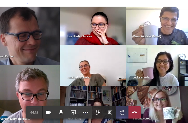 Our first day of Structural Glycoscience summer school is duly finishing with virtual wine and cheese party. Thanks to @synBIOcarb  for a great day @LabRichter @NotovaSimona @enGenesBiotech ... and colleagues were here https://t.co/kSAhvCnV2j