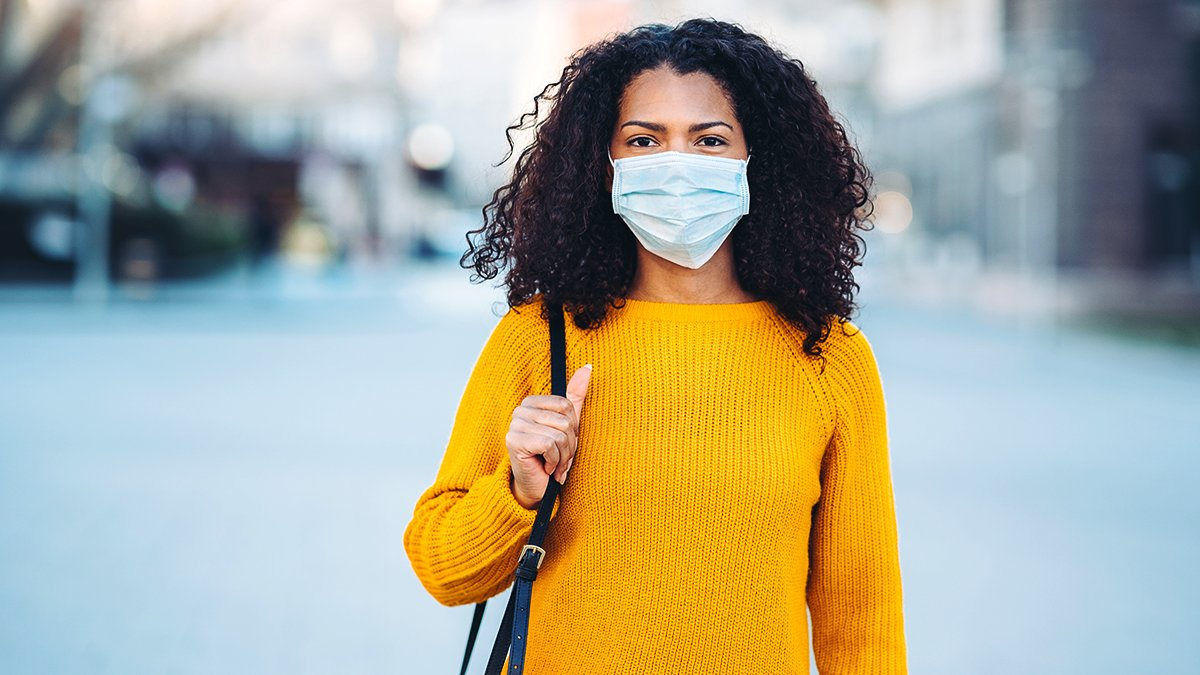 Wearing masks alone isn't enough to stop the spread of COVID-19. They're most effective when we also wash our hands and physically distance from everyone outside our social circle. https://t.co/DIdBcGbOaZ