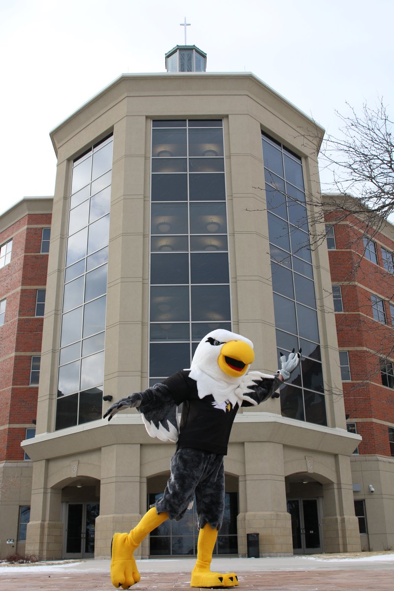 Happy #NationalMascotDay to our favorite feathered friend, Ernie the Eagle! 🦅 #flyeaglesfly #benedictineeagles https://t.co/Pm23Giqcu9