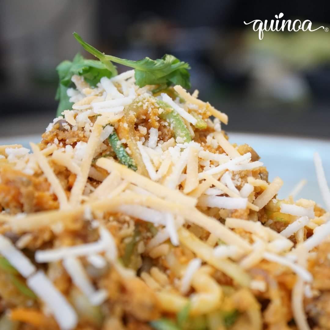 #QuinoaLovers ¿ya probaron nuestros spagetti de calabacín y boloñesa de lentejas?🥒🍝 . . #VidaQuinoa #healthy #gourmet #spaguetti #espaguetis #vegan #vegano #lenteja #calabacin #delicious #keto #adomicilio #consumelocal
