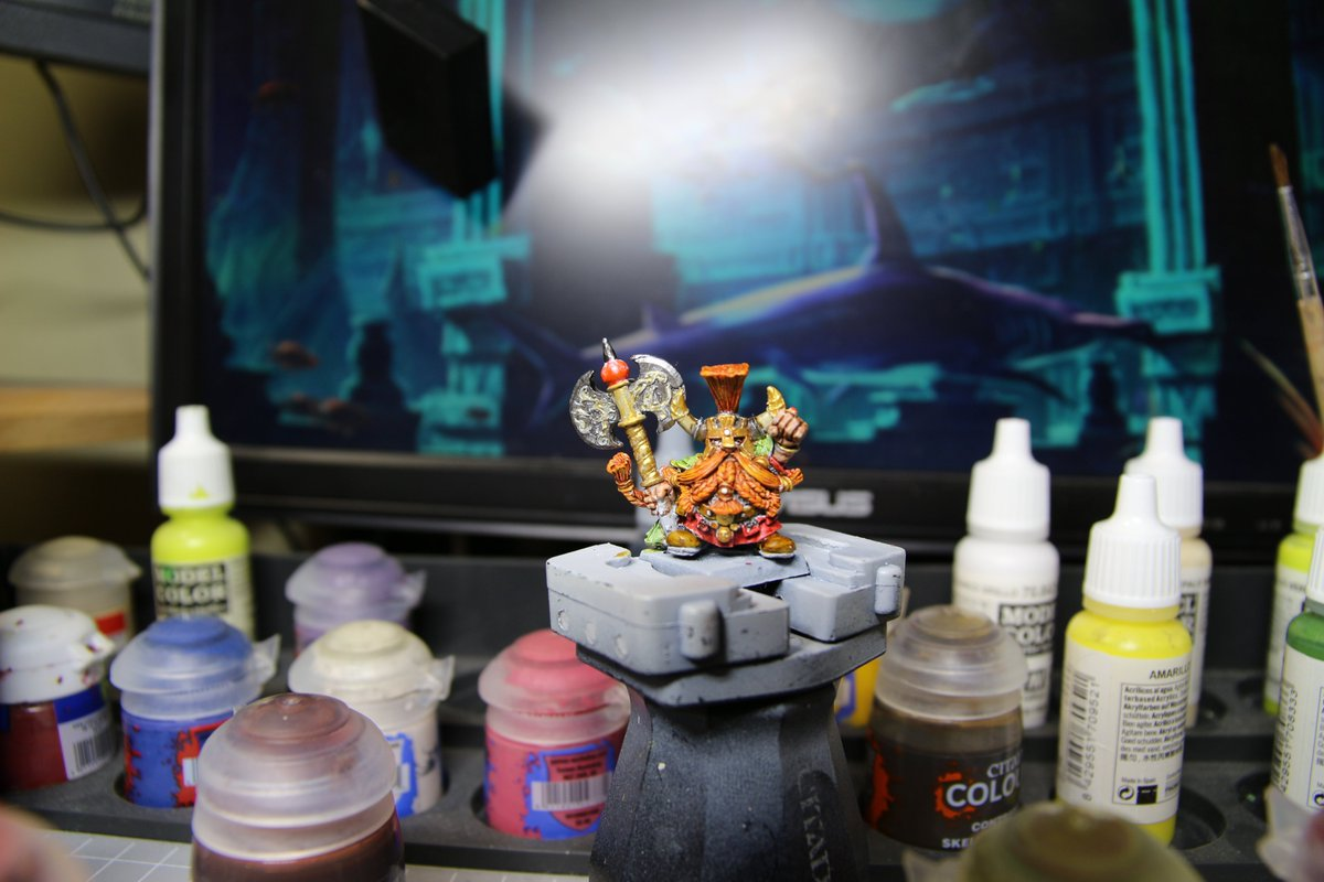 Just a WIP shot of Ungrim Ironfist  God, for some reason the axe is not working out for me :| will try some tricks or finally try NMM  #wfb #warhammerfantasybattles #dwarves #Ungrim #WarhammerCommunity https://t.co/Msv6lBJolV